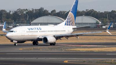 A picture of N21723 - Boeing 737724 - United Airlines - © Juan Carlos Alvarez (MAS Aviation Press)