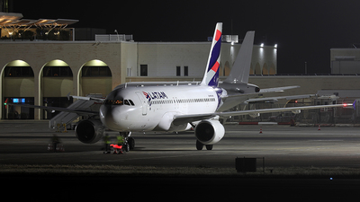 PR-MYN - Airbus A320-214 - LATAM Airlines
