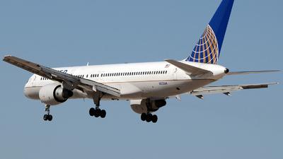 A picture of N553UA - Boeing 757222 - [25277] - © Khoa Vu