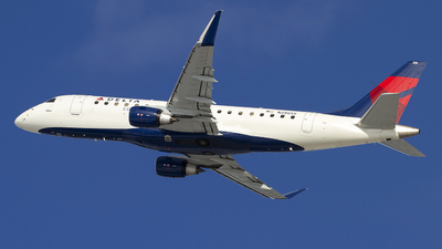 A picture of N296SY - Embraer E175LR - Delta Air Lines - © Jeremy D. Dando