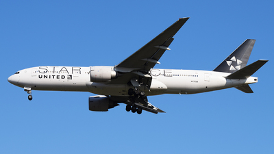 N77022 - Boeing 777-224(ER) - United Airlines