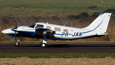 PR-JAN - Piper PA-34-220T Seneca V - Private