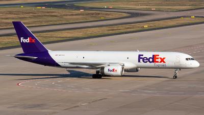A picture of N917FD - Boeing 75723A(SF) - FedEx - © Julian Maas