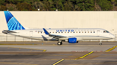 A picture of N611UX - Embraer E175LL - United Airlines - © Roger M