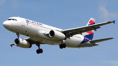 A picture of CCBAF - Airbus A320232 - LATAM Airlines - © Jorge Saenz