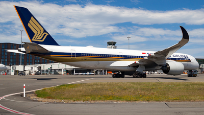 A picture of 9VSMC - Airbus A350941 - Singapore Airlines - © Dominic Oakes