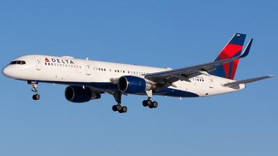 N6704Z - Boeing 757-232 - Delta Air Lines