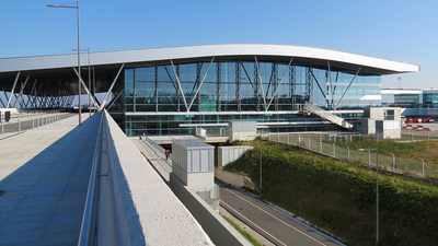 LEST - Airport - Terminal