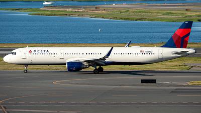 A picture of N381DZ - Airbus A321211 - Delta Air Lines - © OCFLT_OMGcat