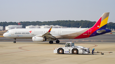 HL8060 - Airbus A321-231 - Asiana Airlines