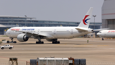 B-2025 - Boeing 777-39PER - China Eastern Airlines