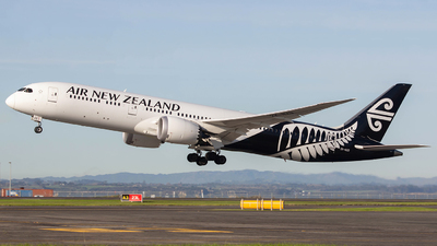 A picture of ZKNZQ - Boeing 7879 Dreamliner - Air New Zealand - © Ernest Leung