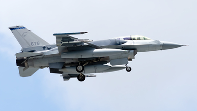 678 - Lockheed Martin F-16DJ Fighting Falcon - Singapore - Air Force