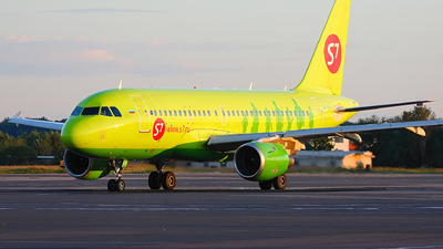 VP-BHV - Airbus A319-114 - S7 Airlines