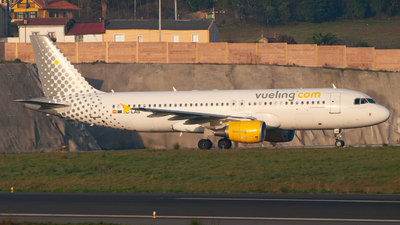 EC-LAB - Airbus A320-214 - Vueling Airlines