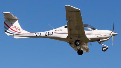VH-UNJ - Diamond DA-40 Diamond Star XLS - University of New South Wales