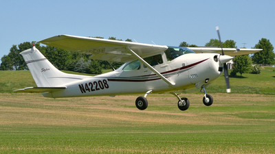 A picture of N42208 - Cessna 182L Skylane - [18258900] - © DJ Reed - OPShots Photo Team