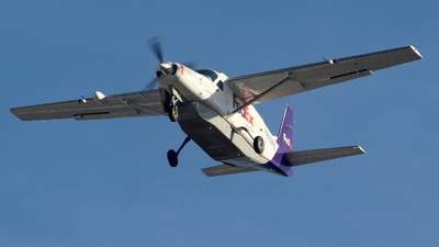 A picture of N859FE - Cessna 208B Super Cargomaster - FedEx - © Huy Do