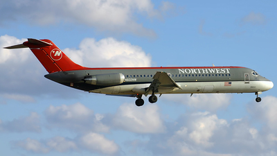 N602NW - McDonnell Douglas DC-9-32 - Northwest Airlines