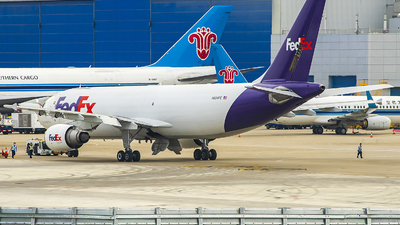 A picture of N654FE - Airbus A300F4605R - FedEx - © ChenRT