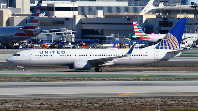A picture of N64844 - Boeing 737924(ER) - United Airlines - © Rocky Wang