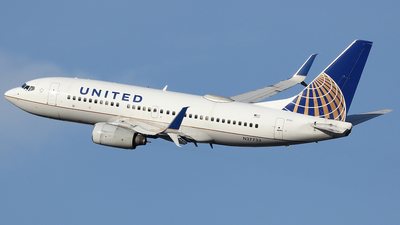 A picture of N27733 - Boeing 737724 - United Airlines - © Xiamen Air 849 Heavy