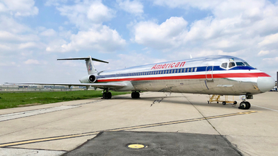N7514A - McDonnell Douglas MD-82 - American Airlines