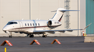 A picture of CSCHA - Bombardier Challenger 350 - NetJets - © Thomas Ernst