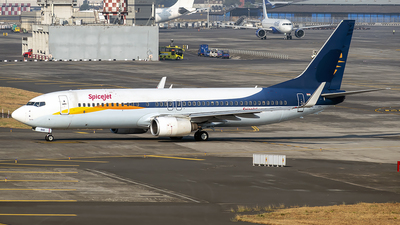 A picture of VTSXE - Boeing 73785R - SpiceJet - © Sanskar nawani