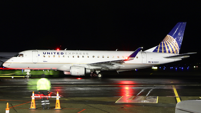A picture of N110SY - Embraer E175LR - United Airlines - © Zihaoo W & Donny H Photography