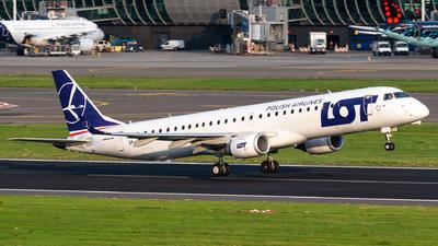 A picture of SPLNE - Embraer E195LR - LOT - © Gaetan De Meyer - DHL Photographer