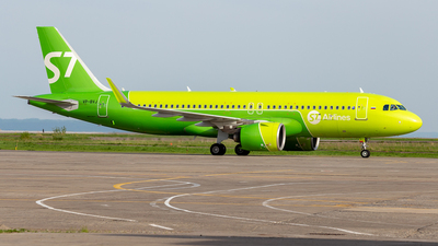 A picture of VPBVJ - Airbus A320271N - S7 Airlines - © Yan Syrbo