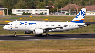 A picture of YLLCT - Airbus A320214 - SmartLynx - © Julian Azeroth