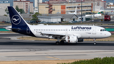 A picture of DAIBC - Airbus A319112 - Lufthansa - © Rui Cardoso