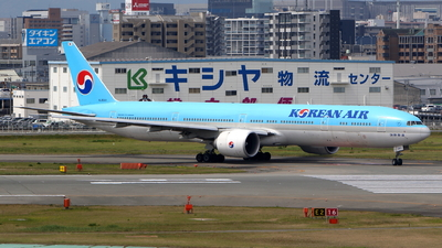 HL8041 - Boeing 777-3B5ER - Korean Air