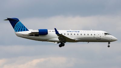 A picture of N920SW - Mitsubishi CRJ200LR - United Airlines - © Sean Brink