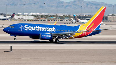 A picture of N423WN - Boeing 7377H4 - Southwest Airlines - © Yan777