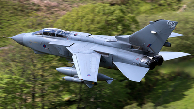 ZA546 - Panavia Tornado GR.4 - United Kingdom - Royal Air Force (RAF)