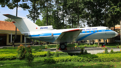 VN-A452 - Yakovlev Yak-40 - Hang Khong Vietnam