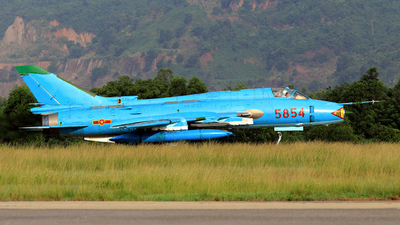 5854 - Sukhoi Su-22M4 Fitter K - Vietnam - Air Force
