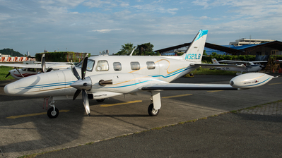 A picture of N321LB - Piper PA31T2 Cheyenne 2 - [31T8166012] - © Sir Hofma