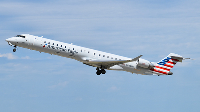 A picture of N608NN - Mitsubishi CRJ900LR - American Airlines - © Brady Noble