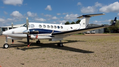 ZS-AMB - Beechcraft B300 King Air 350i - Private