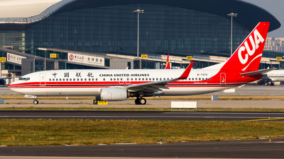 A picture of B7370 - Boeing 73789P - China United Airlines - © Chr Pe