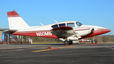 N60MB - Piper PA-23-250 Aztec - Private