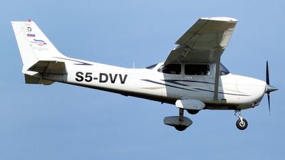 S5-DVV - Cessna 172S Skyhawk SP - Janez let