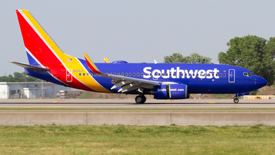 A picture of N421LV - Boeing 7377H4 - Southwest Airlines - © Jeremy D. Dando