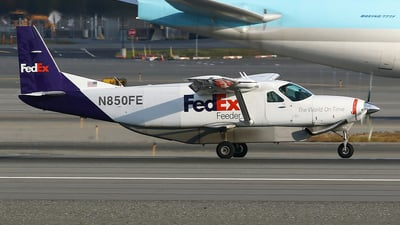 A picture of N850FE - Cessna 208B Super Cargomaster - FedEx - © Jeroen Stroes