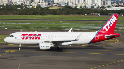 PR-TYF - Airbus A320-214 - TAM Linhas Aéreas