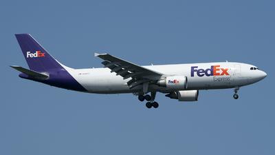 A picture of N689FE - Airbus A300F4605R - FedEx - © Jose R. Ortiz